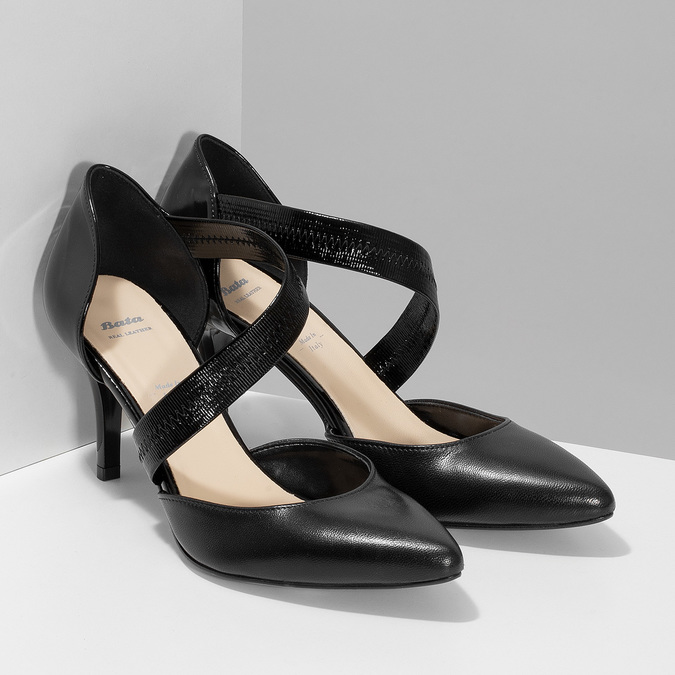 Leather pumps with T-strap, black , 724-6904 - 26